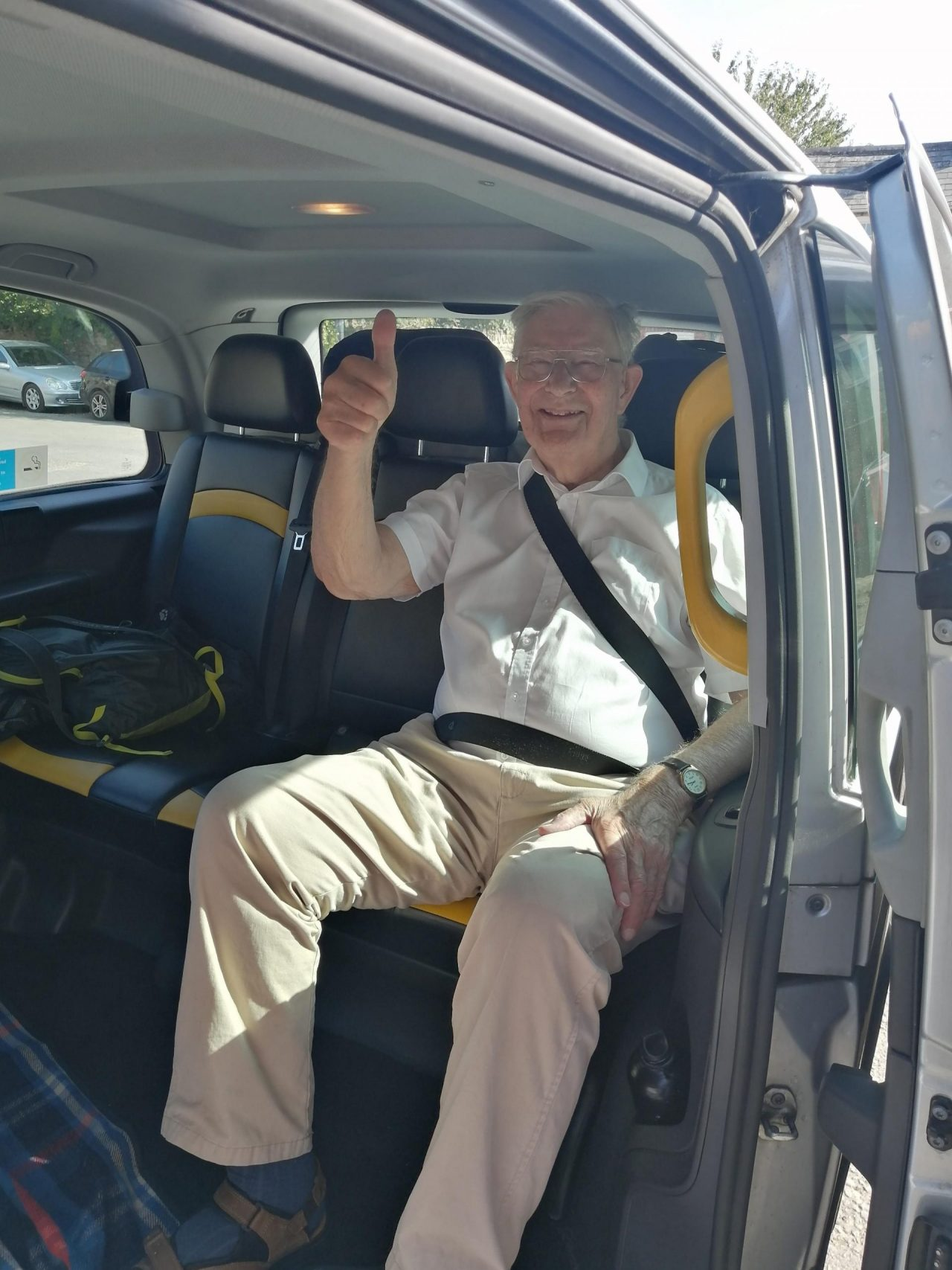 WWII Veteran and London cabbie form great friendship