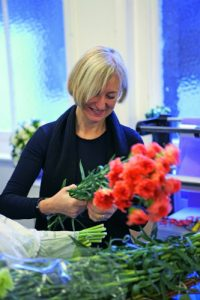 Floral fundraiser marks 10th anniversary of death of prominent florist
