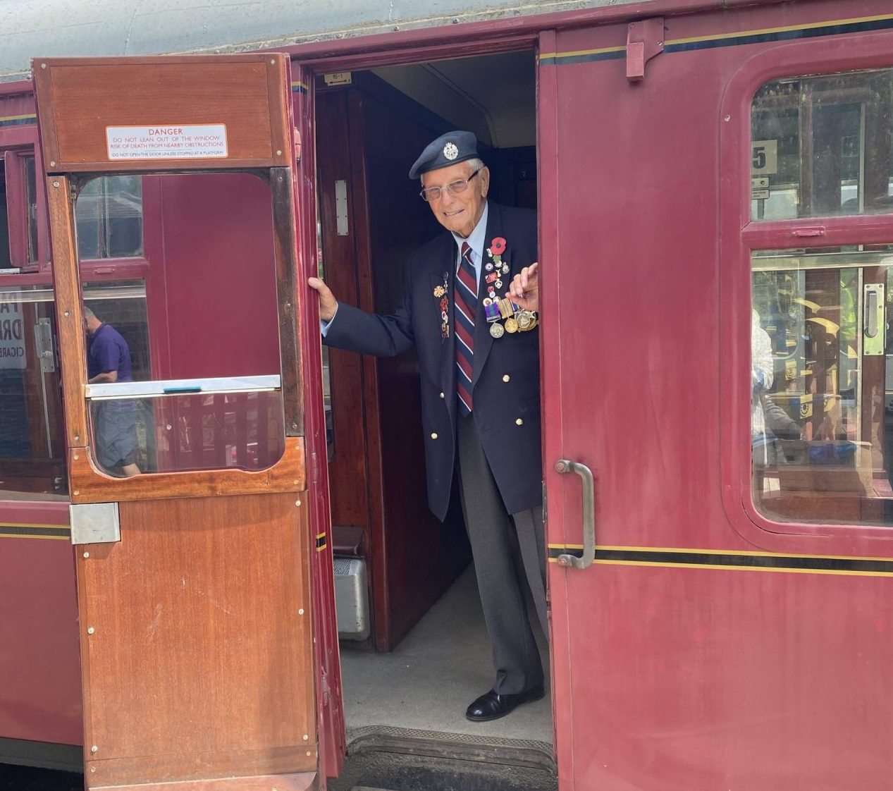 WWII veterans visit the Battlefield Line in Leicestershire