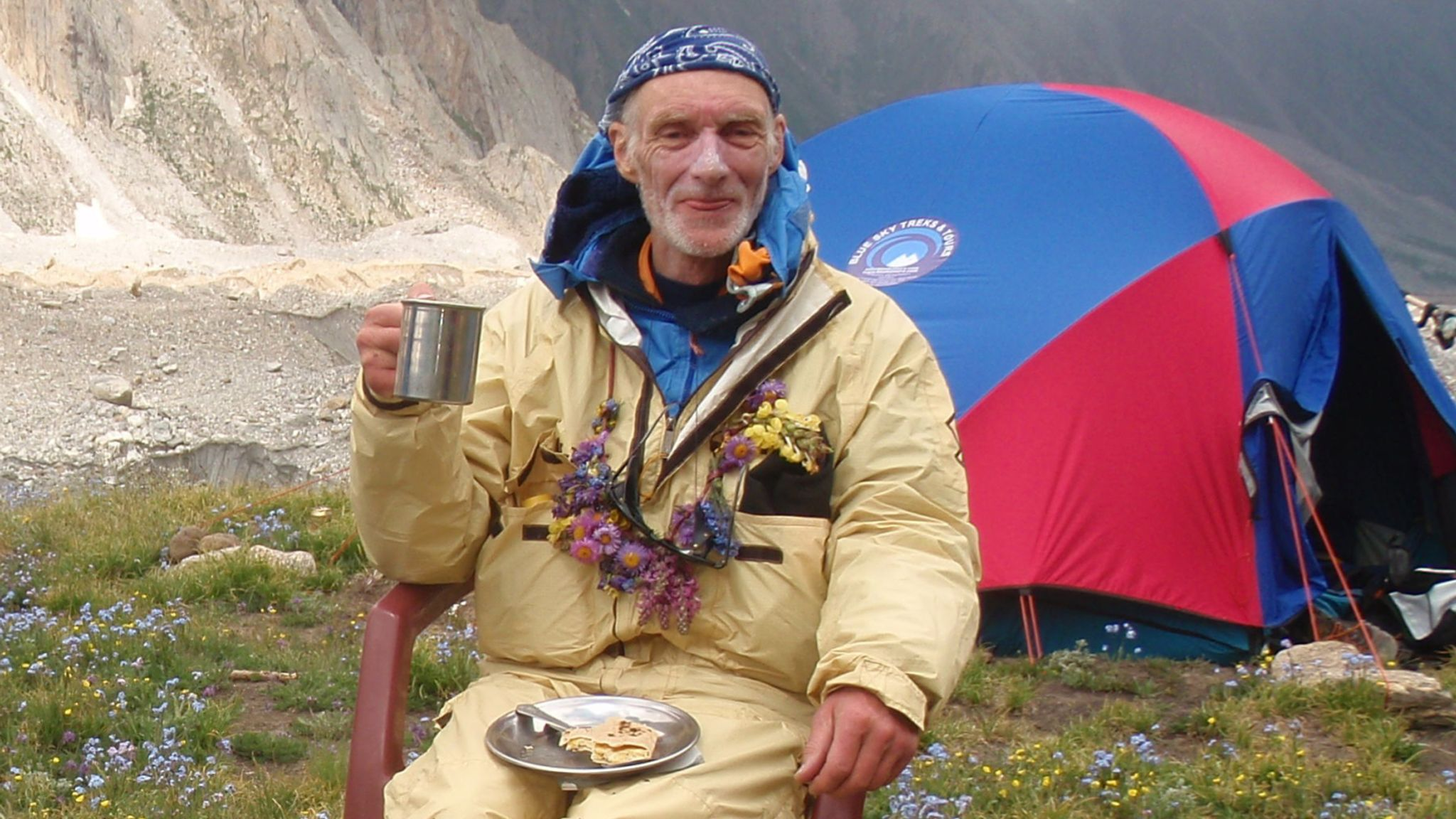 Popular mountain climber dies in avalanche