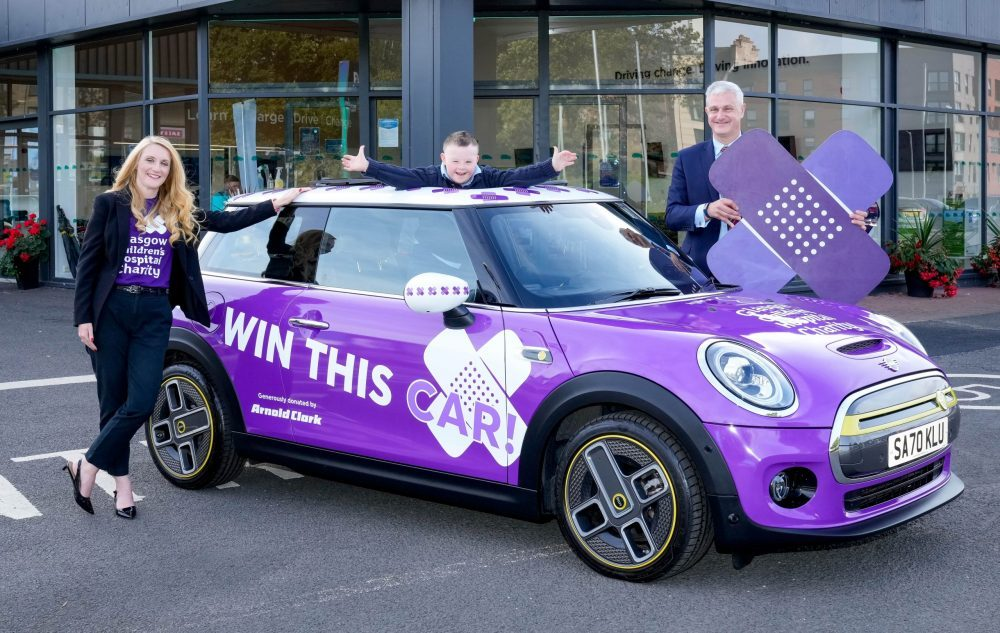 Young patient launches Grand Prize Draw for Glasgow charity with a MINI Electric up for grabs